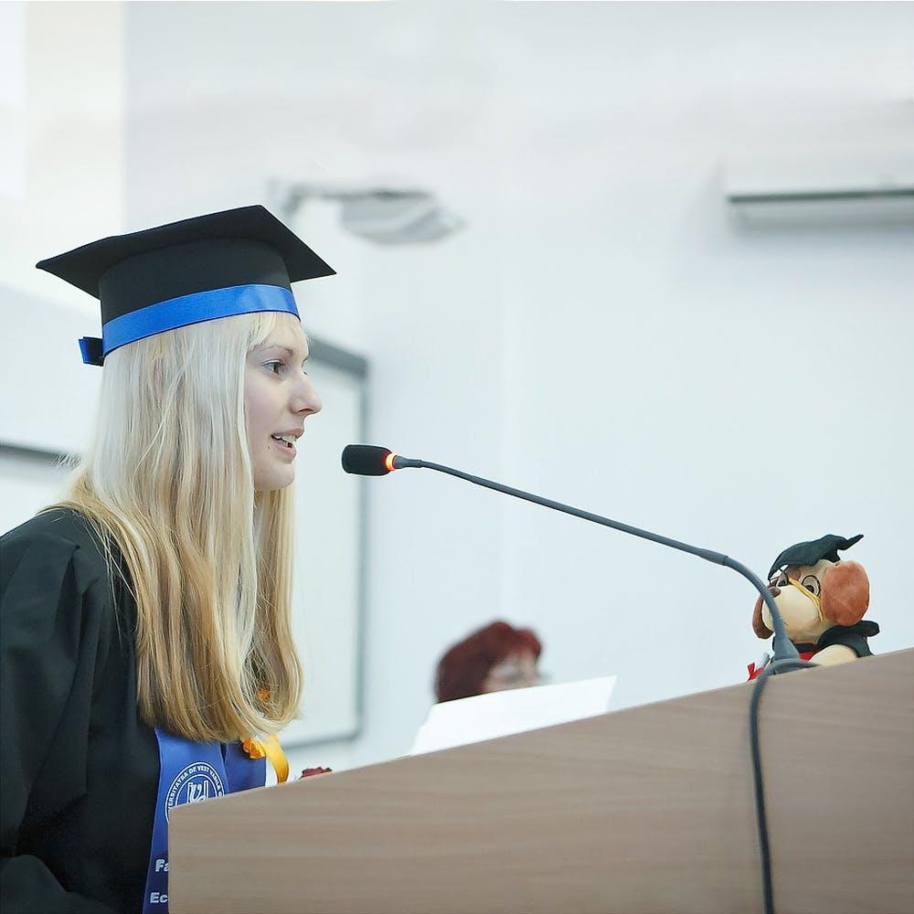1468 ken%e8%bb%a2%e8%bc%89 is%e7%94%9f%e3%81%b8%e8%b4%88%e3%82%8b%e8%a8%80%e8%91%89 %e3%81%82%e3%81%a3%e3%81%93 graduation 2038866 1280 1000x1000.jpg?ixlib=rails 3.0